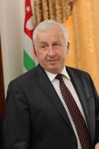 Председатель правления НБ Абхазии Илларион Шамахович Аргун.