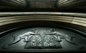 Банк Англии. Эмблема.