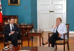 Президент Чили Мишель Бачелет и  Президентом ЦБ Чили Хосе де Грегорио