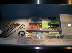 Музей денег в республике Тринидад и Тобаго. Экспонаты.